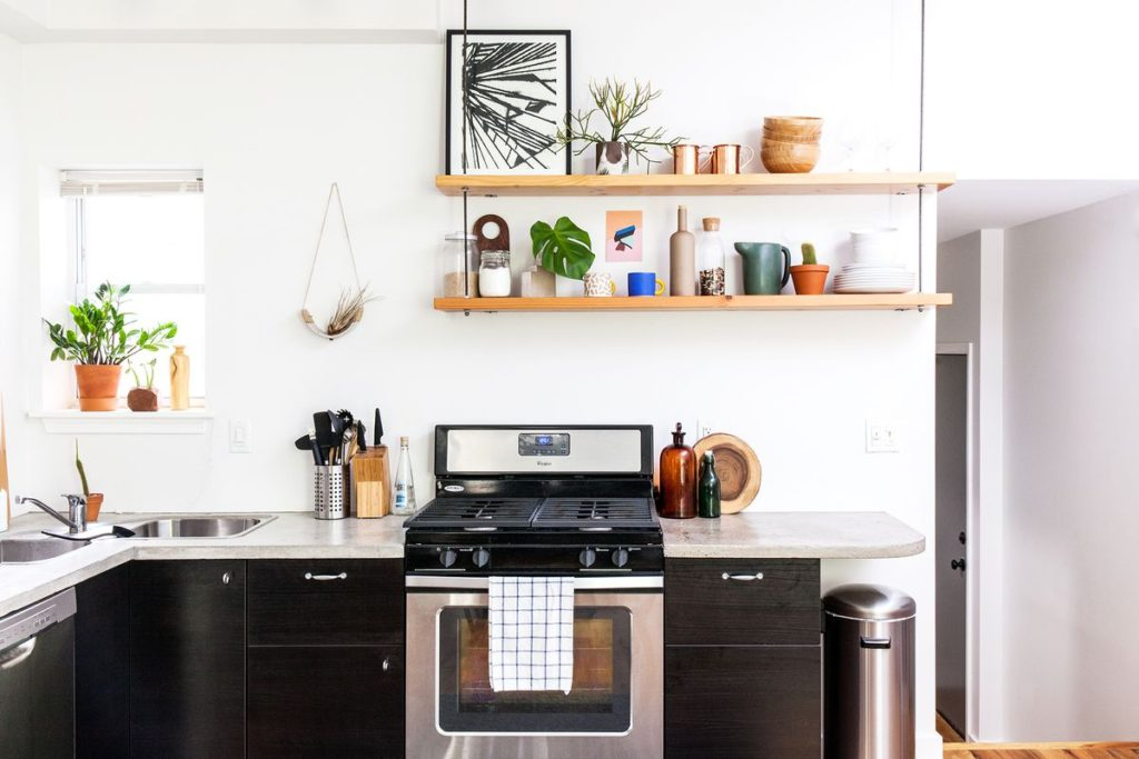 Designing a Small Kitchen Space - Neuss News on small kitchen design ideas kitchen, small l-shaped french country kitchen, design your small kitchen, how plan a small kitchen,